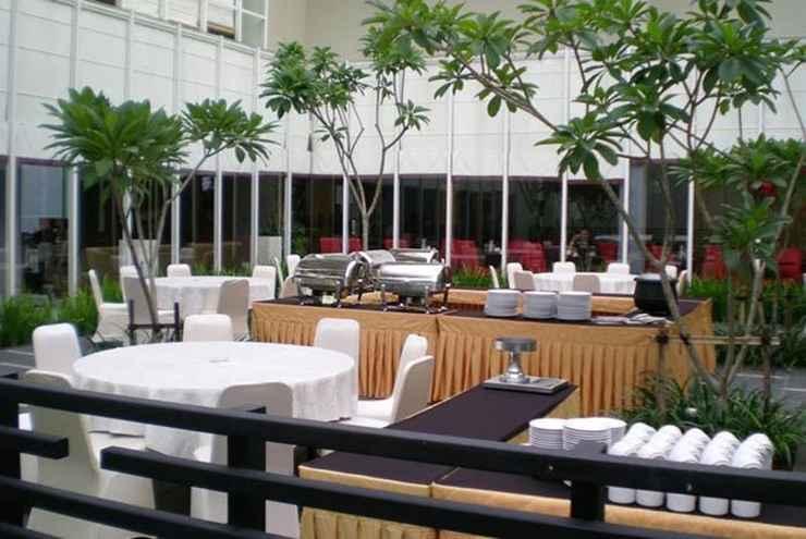 RESTAURANT Quest Hotel Simpang Lima - Semarang by ASTON