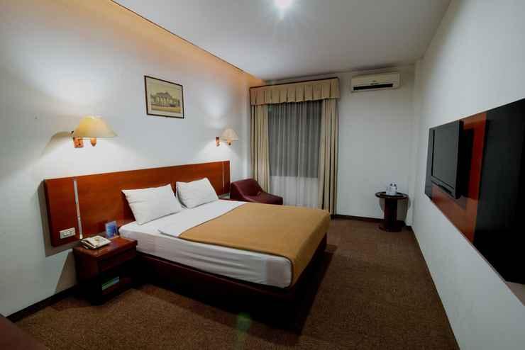 BEDROOM Puri Mega Hotel