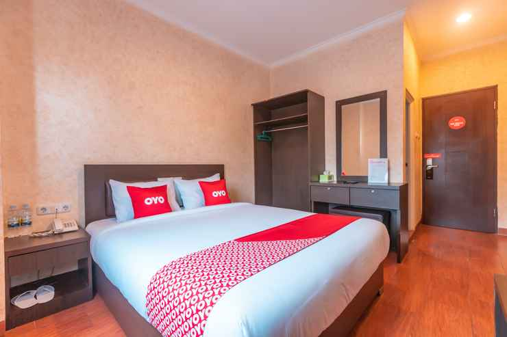 BEDROOM OYO Flagship 2131 Hotel Binong Near Rumah Sakit Aminah