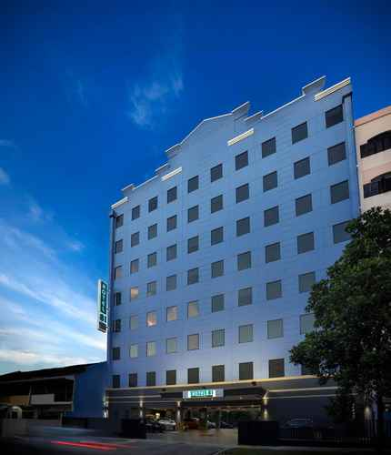EXTERIOR_BUILDING Hotel 81 Premier Hollywood - Staycation Approved