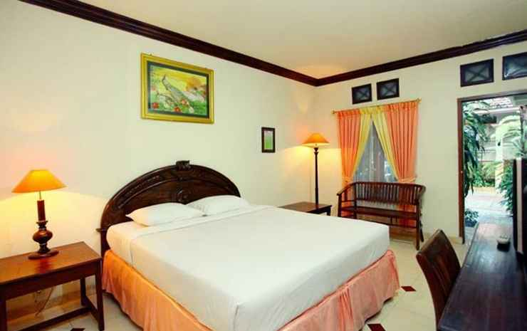 Hotel & Cottage Maospati Magetan - Two Bedroom Cottage with Bathup