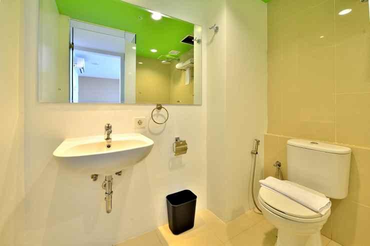 BATHROOM Whiz Prime Hotel Megamas Manado