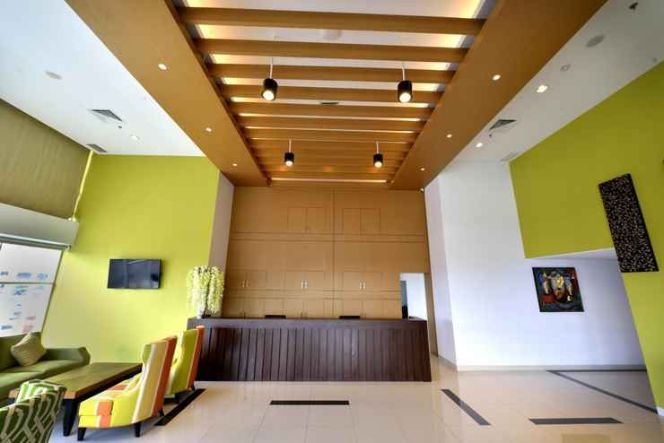 LOBBY Whiz Prime Hotel Megamas Manado