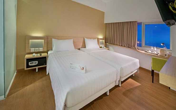 Grand Whiz Megamas Manado Manado - Superior Twin Sea View Room Only