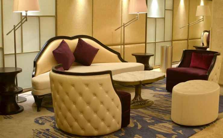 LOBBY Louis Kienne Hotel Simpang Lima