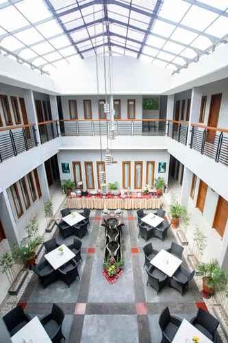 LOBBY Rosalia Indah Hotel