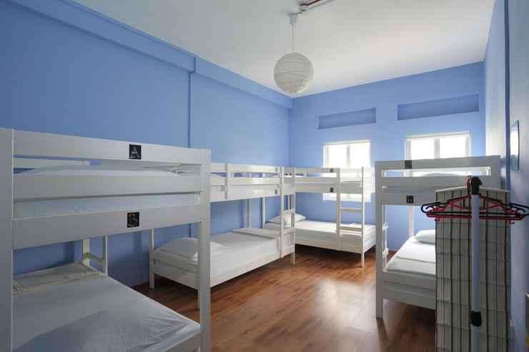 BEDROOM GUSTI Bed & Breakfast Singapore