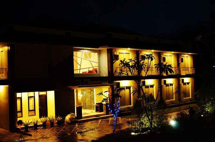 EXTERIOR_BUILDING Hotel Orchid Wonosari
