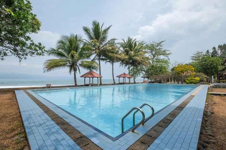 SWIMMING_POOL OYO 951 Cempaka Ratu Beach Resort