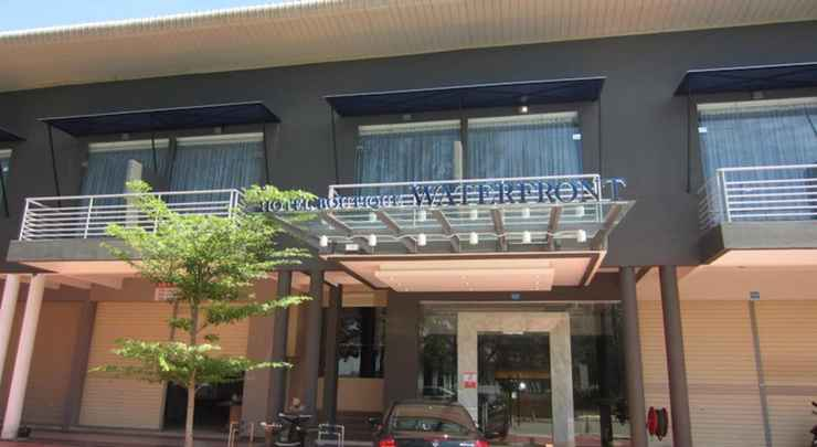 EXTERIOR_BUILDING Waterfront Boutique Hotel