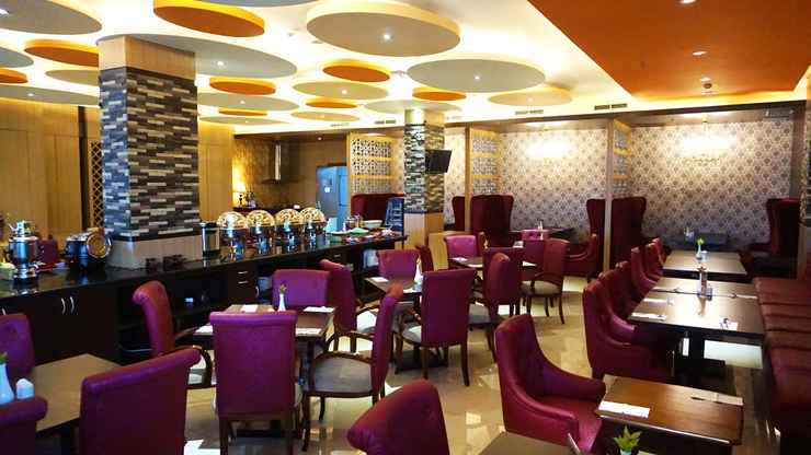 RESTAURANT Sapphire Sky Hotel & Conference