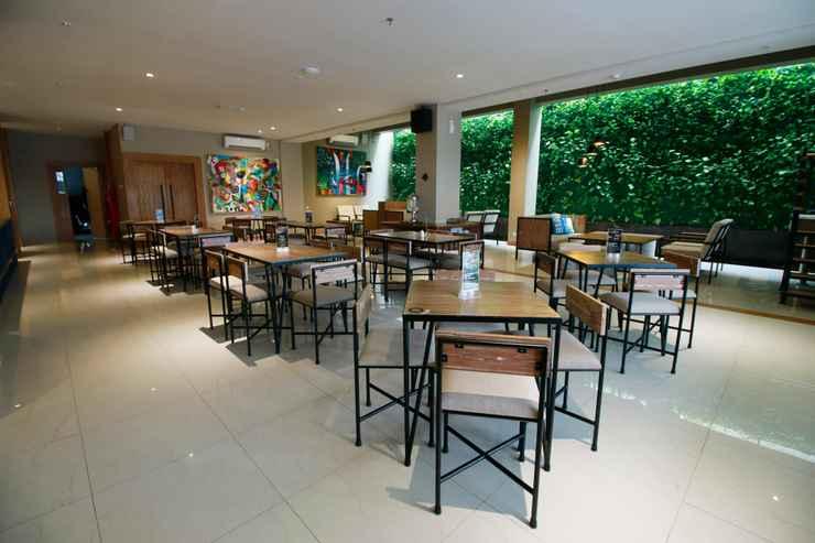 RESTAURANT Yellow Star Ambarukmo Hotel