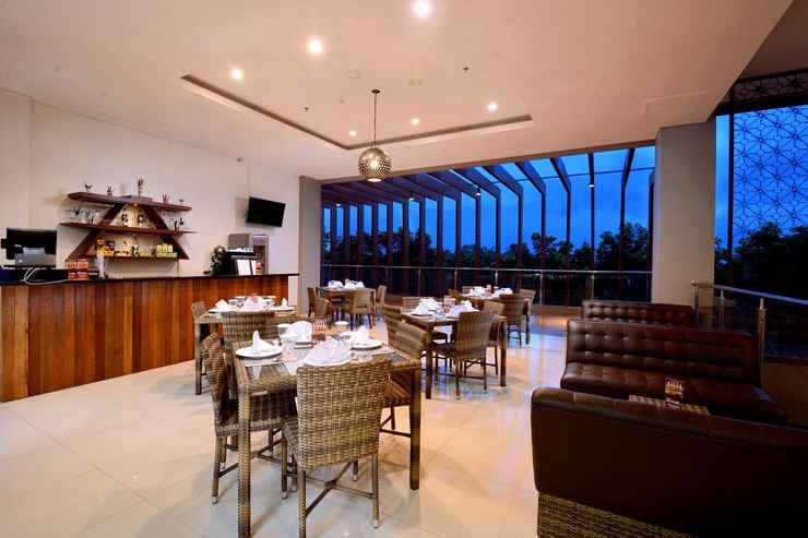 BAR_CAFE_LOUNGE The Atrium Hotel and Resort Yogyakarta