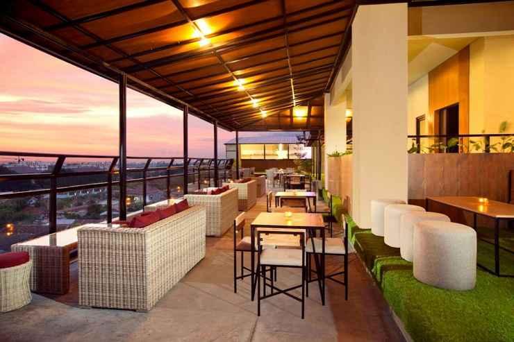 BAR_CAFE_LOUNGE Yellow Star Gejayan Hotel