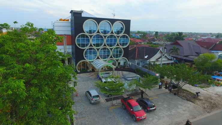 EXTERIOR_BUILDING Fovere Hotel Palangkaraya by Conary