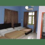 BEDROOM Golden Leaf Executive Residence