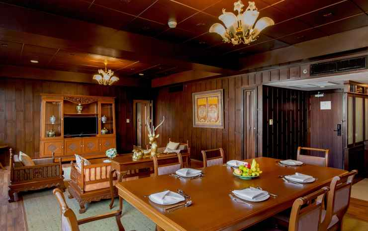 Ramada Plaza by Wyndham Bangkok Menam Riverside Bangkok - 2 Queen Bed Executive Terrace Suite - Room Only - Flexible