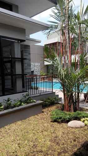 SWIMMING_POOL Grand Laguna Hotel & Villa Solo