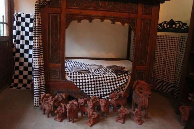 BEDROOM nDalem Natan Royal Heritage