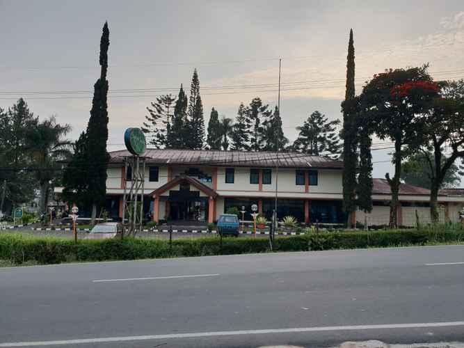 EXTERIOR_BUILDING Hotel Cisarua Indah