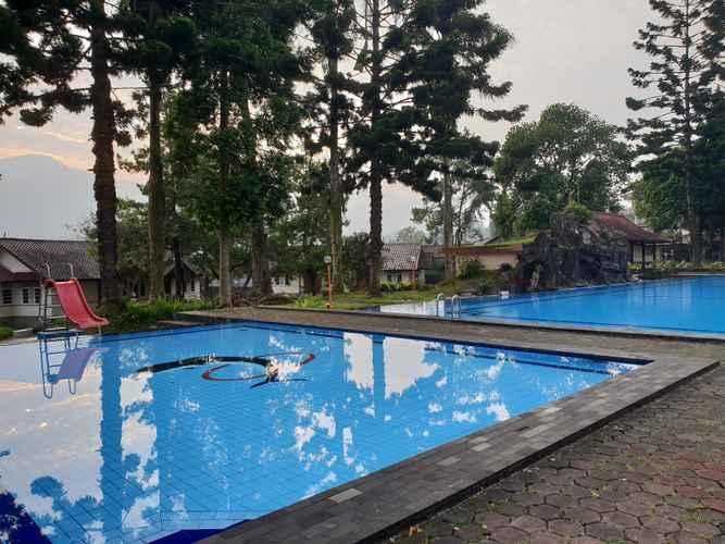 SWIMMING_POOL Cisarua Indah Cottage