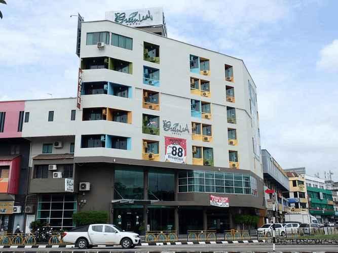 EXTERIOR_BUILDING Greenleaf Hotel