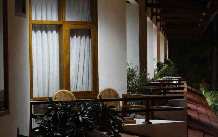 Surya Transera Beach Hotel Pangandaran Pangandaran - Deluxe Double Bed with Breakfast