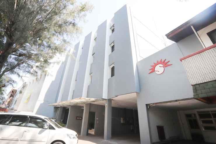 EXTERIOR_BUILDING Hotel Surya Jakarta