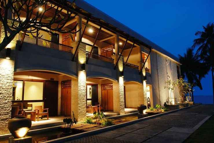 EXTERIOR_BUILDING Weekender Resort