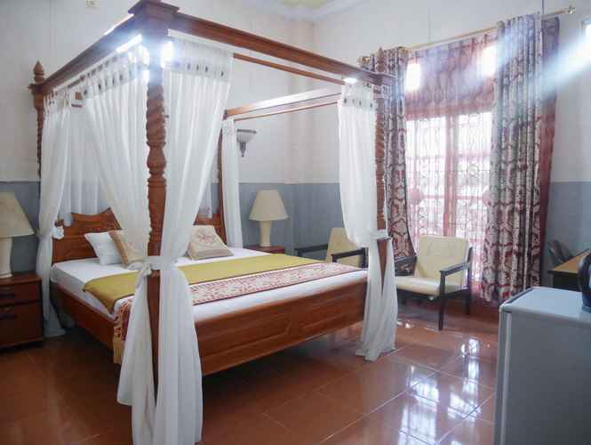 BEDROOM Syafira Hotel Selayar
