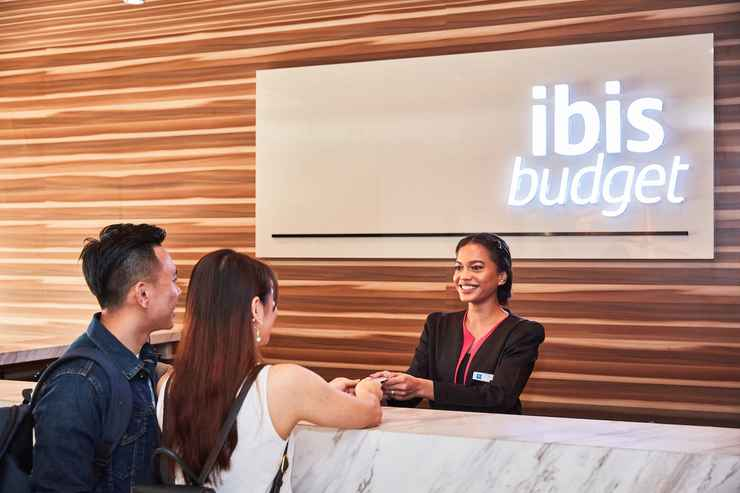 LOBBY ibis budget Singapore Crystal