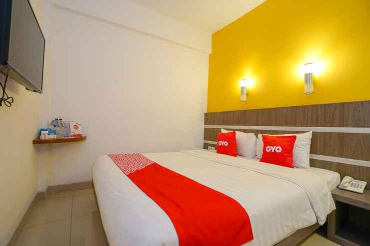 BEDROOM OYO 1727 Hotel 929