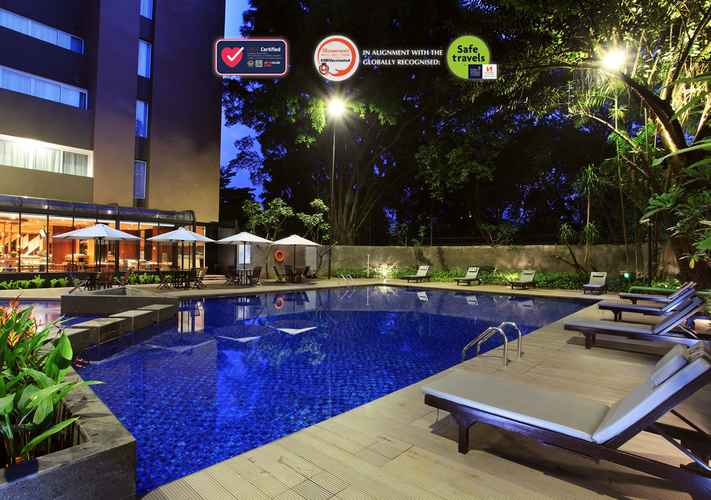SWIMMING_POOL Swiss-Belhotel Pondok Indah