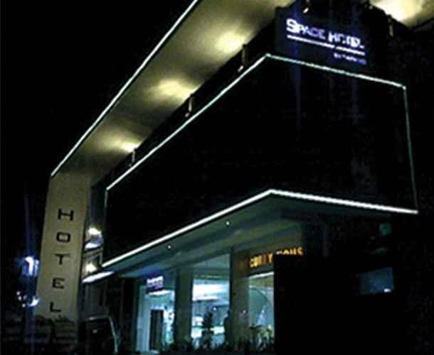 EXTERIOR_BUILDING Space Hotel Bogor