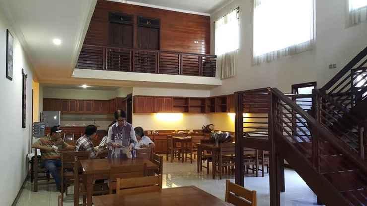 RESTAURANT El Lokon Inn