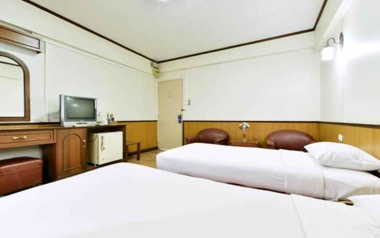 Nice Palace Hotel Bangkok - Standard Twin Room  (Special deal Early check-in 07:00 AM , Late check-out 12:30 PM)