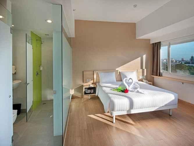 BEDROOM Whiz Prime Hotel Hasanuddin Makassar