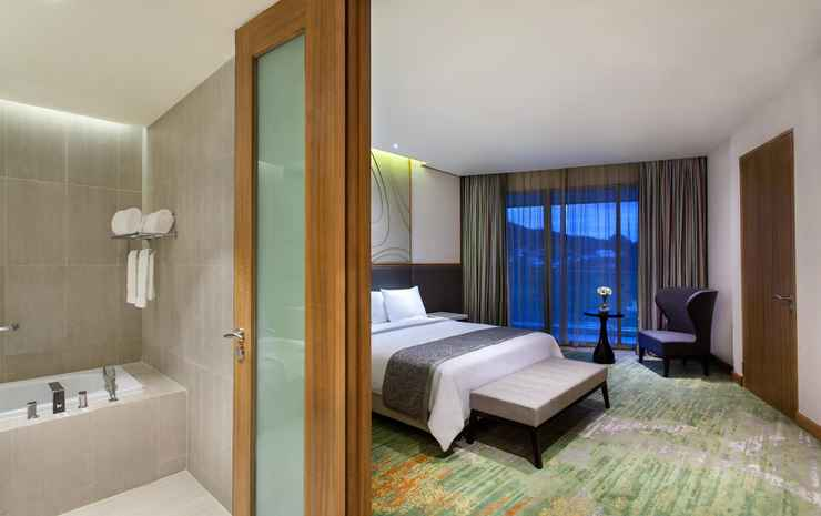 Radisson Golf & Convention Center Batam Batam - Deluxe Suite Room - Double Breakfast