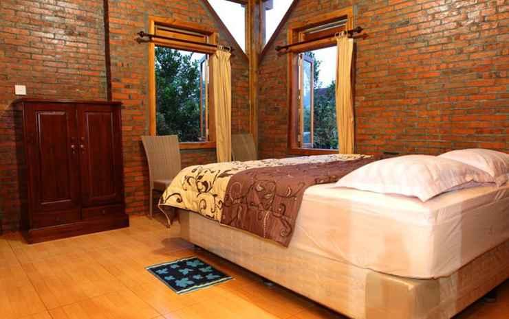 Villa Watu Emas 3 Malang - 6 Bedroom ( 1 Villa isi 6 Kamar Tidur)