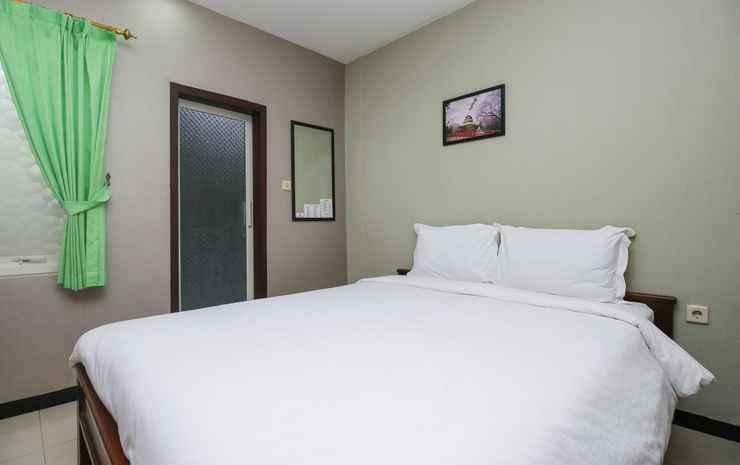 d'Rainbow Family Homestay Surabaya - Standard Double Room Only