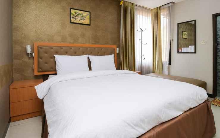 d'Rainbow Family Homestay Surabaya - Deluxe Double Room Only