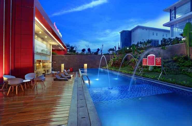 SWIMMING_POOL favehotel Banjarbaru Banjarmasin
