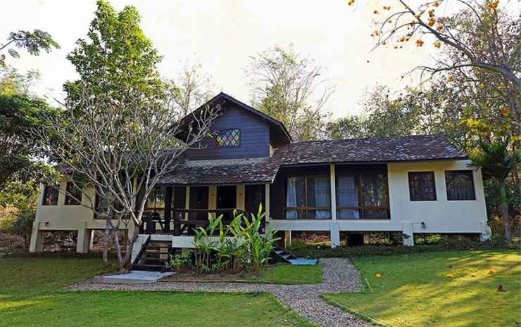Narittaya Resort and Spa Chiang Mai - Family Garden Cottage Double and Twin Bed  With Breakfast