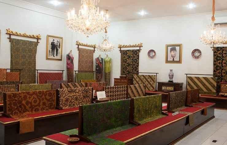 LOBBY Amaris Hotel Sriwedari