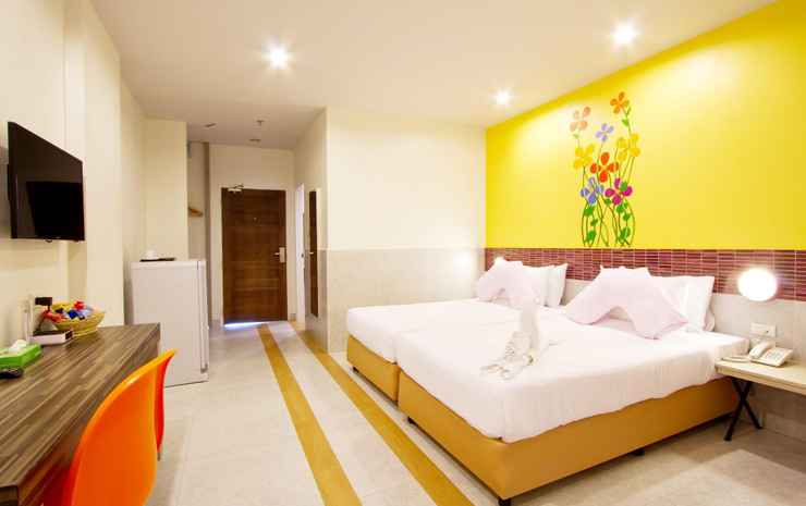 Grand Bella Hotel Chonburi - Deluxe Pool View Room Only