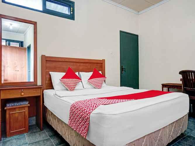 BEDROOM OYO 90596 Hotel Griya Astoeti