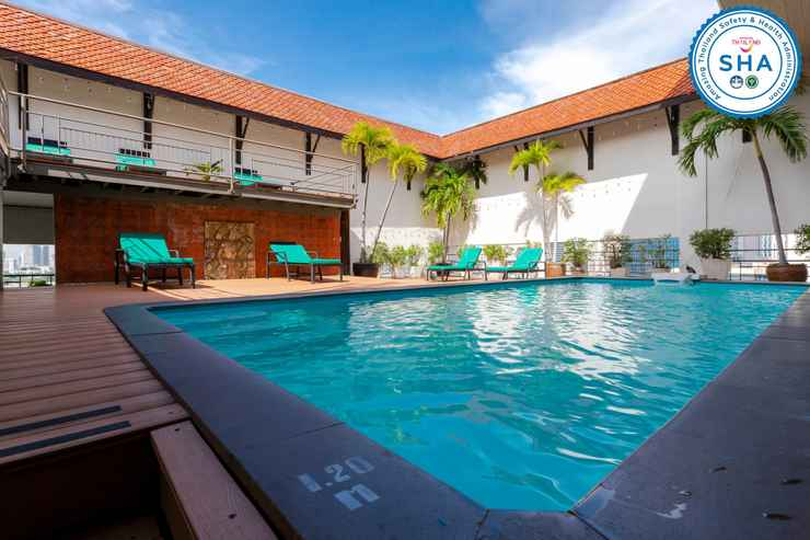 SWIMMING_POOL Pinnacle Lumpinee Park Hotel