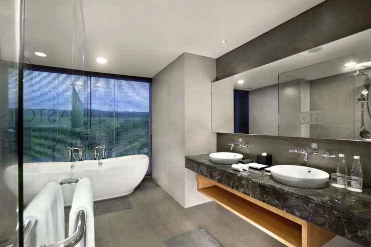 BATHROOM Aston Sentul Lake Resort & Conference Center
