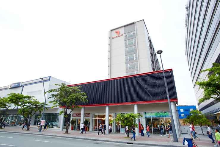 EXTERIOR_BUILDING Red Planet Manila Aseana City -  For Quarantine Stays