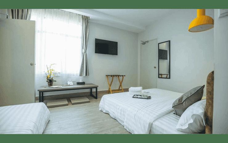 Bzz Hotel Skudai Johor - Family Triple Room